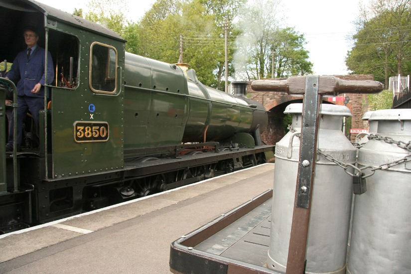 3850 Bishops Lydyard - by Phil Marsh