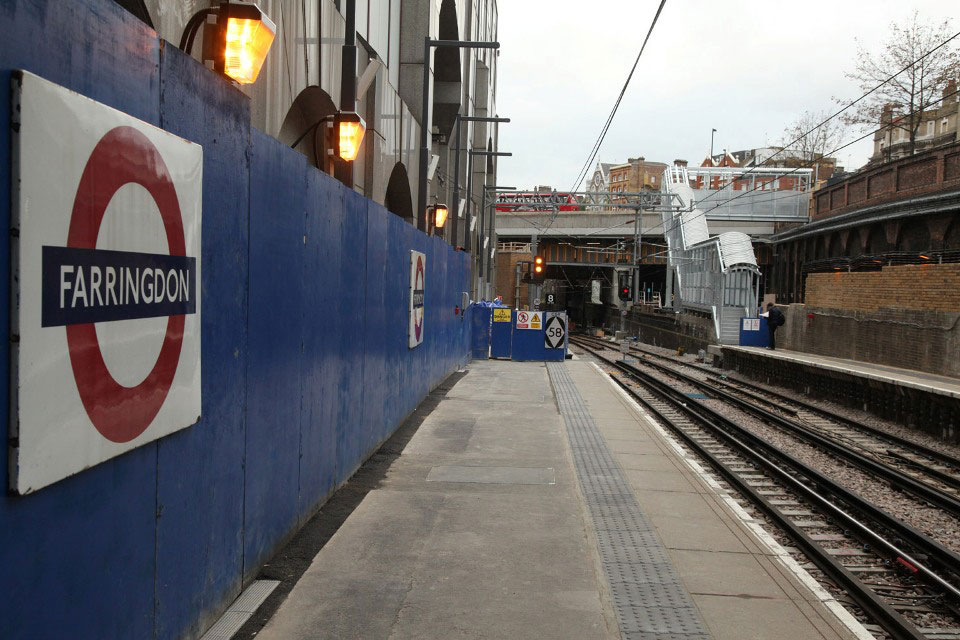 farringdon new platforms and bridge north by phil marsh