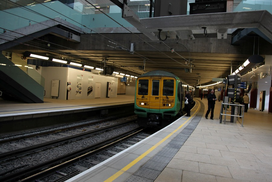 farringdon new southern area platforms by phil marsh