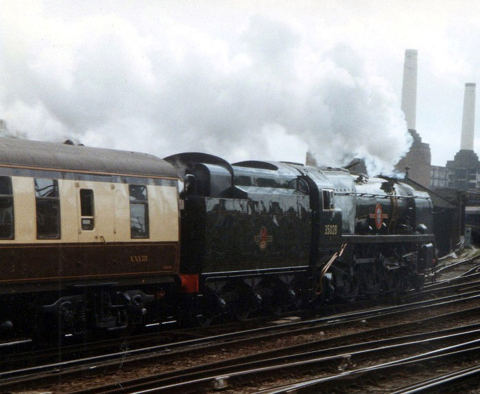 35028 clan line battersea by phil marsh