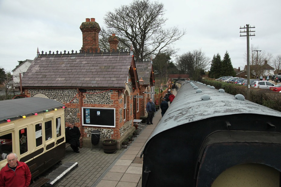chinnor mince pie train by phil marsh