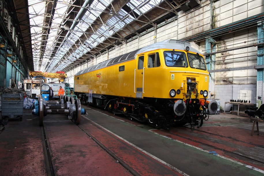 eastleigh network rail class 57 yellow livery by phil marsh