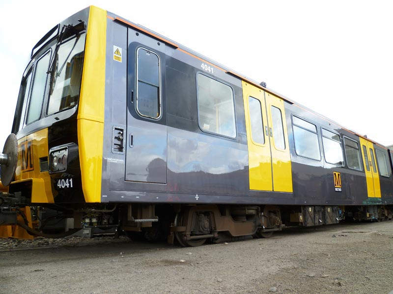 New colour scheme on first refurbished Metrocar No. 4041