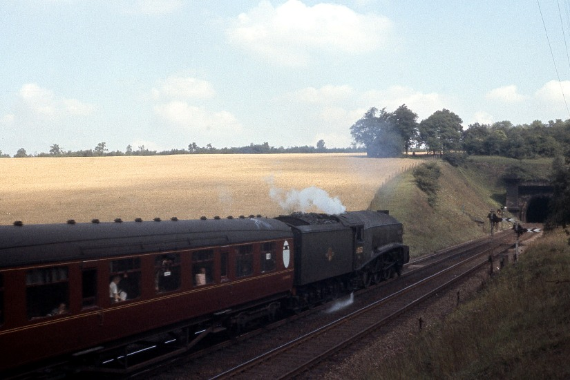 60032 welwyn north tunnel Aug 62 Henry Meyer