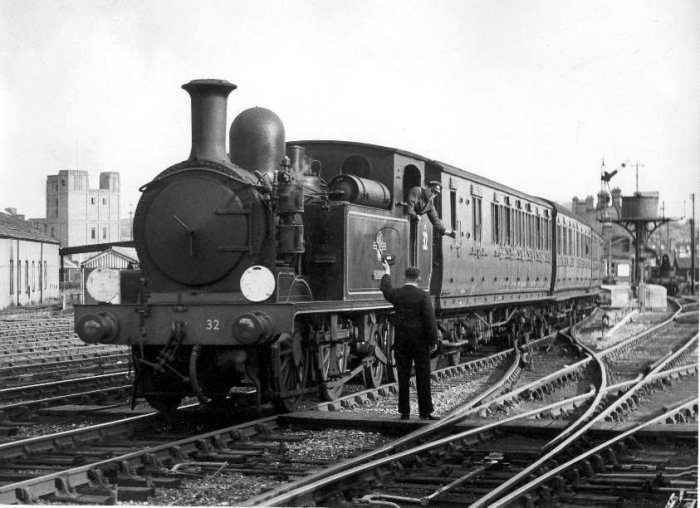 No. 32 at Newport, by Phil Marsh