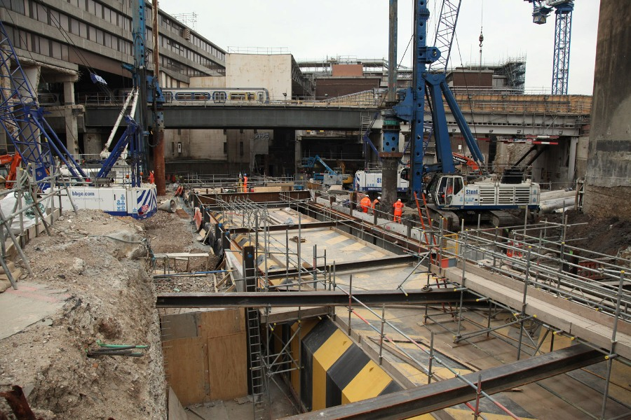 tube line running through the blackfriars rebuilding april 2010 by phil marsh