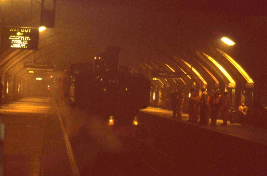 1993 underground steam on the met and circle line baker st  Phil Marsh