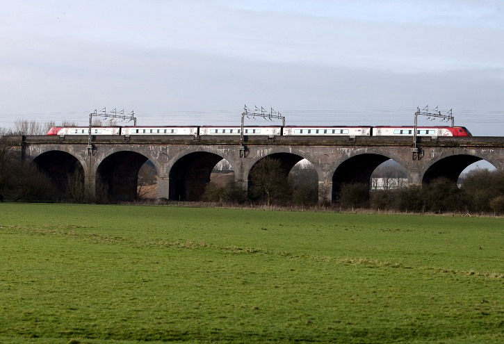 Voyager on wolverton viaduct Phil Marsh