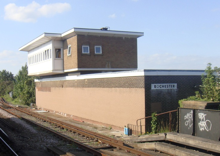 Rochester signalbox by Phil Marsh