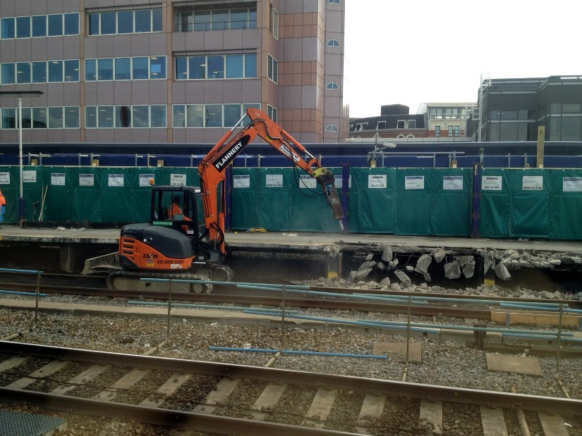 Reading platform 4 being excavated by Ron Bailes