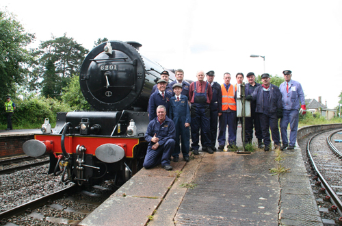6201 Royal train crew at Kemble by Bob Edwardes