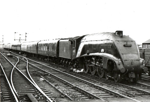 60008 Hitchin 1958 by Phil Marsh