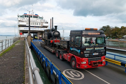 Burgundy arrives off ferry at Fishbourne by IOWSR courtesy of Phil Marsh