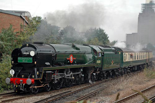 Merchant Navy No. 35028 Clan Line courtesy of Paul Bickerdyke