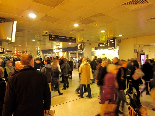 Crowds at Birmingham New Street courtesy of Phil Marsh