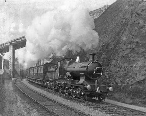 1905 A GWR express at Dawlish courtesy of the Duncan Chandler collection