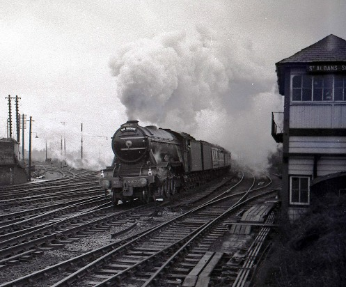 1960s Flying Scotsman action as it passes St Albans courtesy of Geoff Marsh