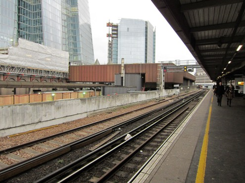 London Bridge through lines and terminus station on left courtesy of Phil Marsh