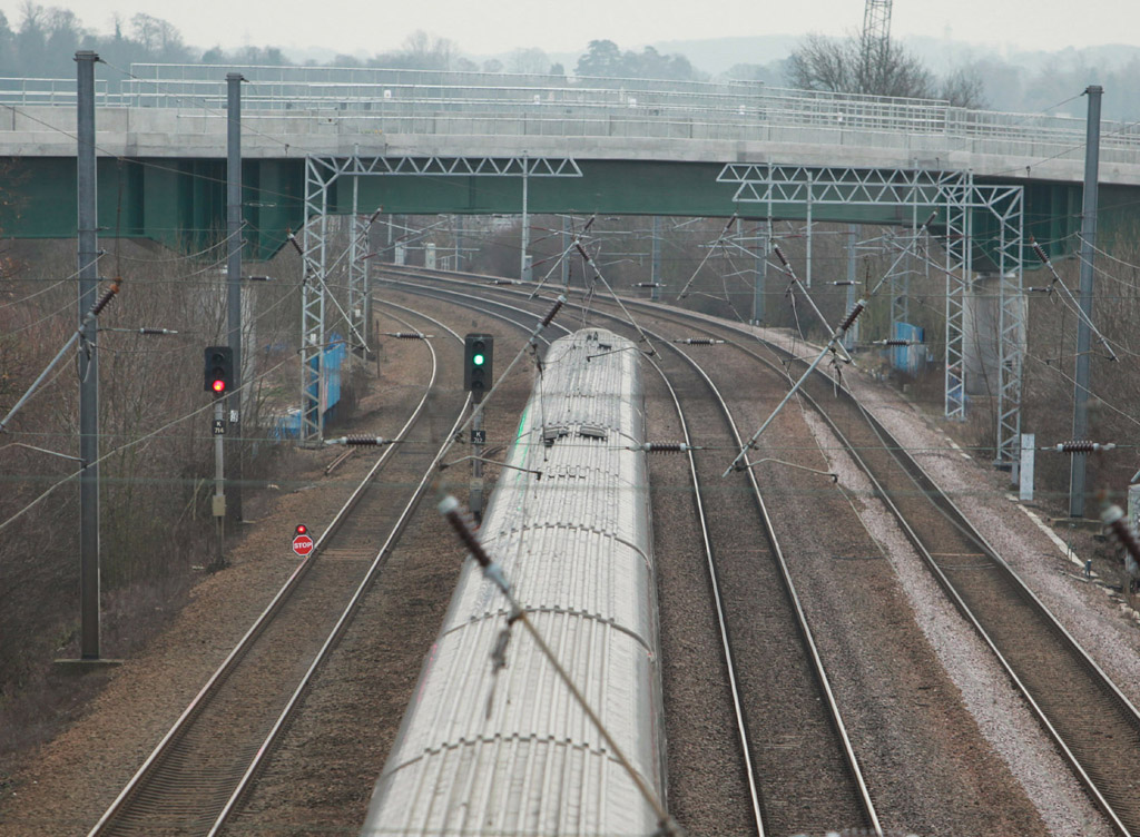 Line blocked at Hitchin due to wire fault on Dec 18 2012 by Phil Marsh