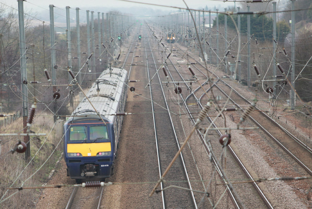 east coast main line looking towards biggleswade by Phil Marsh