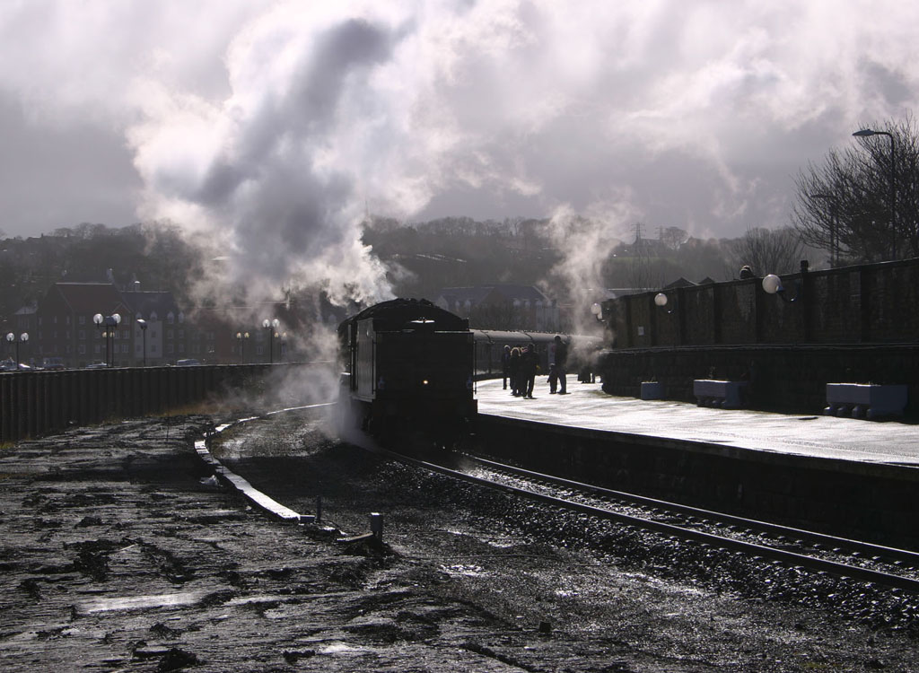 whitby 2nd platform and shunting by phil marsh
