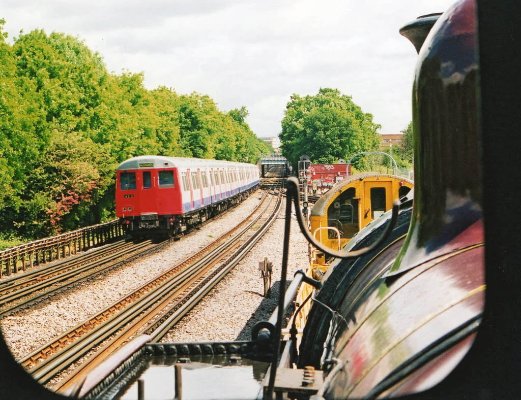 Met 1 drivers view near Ruslip in May 2000 by phil marsh
