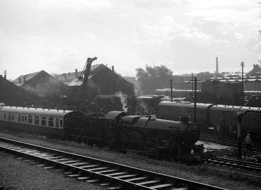 40 years ago at tyseley with 7029 clun castle courtesy of Geoff Marsh