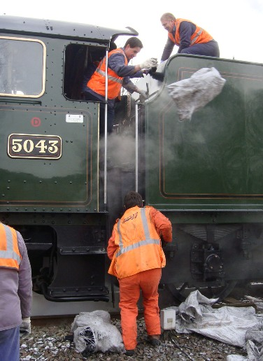 5043 being serviced courtesy of Phil Marsh
