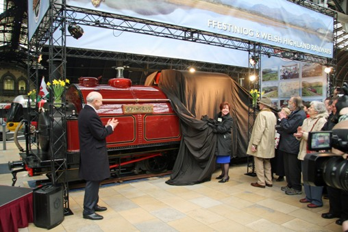 Princess at Paddington_unveiled by Lady Elis Thomas_Courtesy of Cliff Thomas