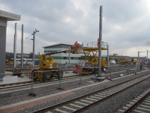 6) Reading train depot and electrification works. Courtesy of Phil Marsh
