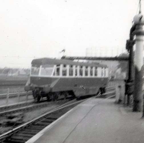 9 GWR diesel railcar. Courtesy of Phil Marsh collection