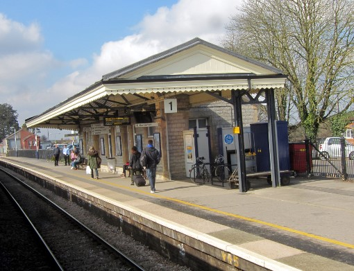 2 Castle Cary station london platform by Phil Marsh