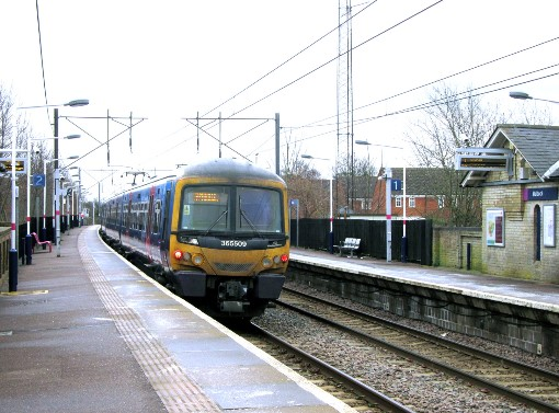 No yellow lines at Baldock by Phil Marsh