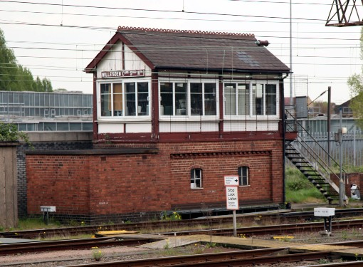 Willesden sidings signalbox by Phil Marsh