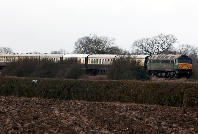 6 47773 on a Vintage trains charter by Phil arsh