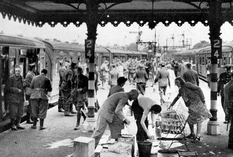 1940 dunkirk evacuation trains refreshments being served Phil Marsh collection