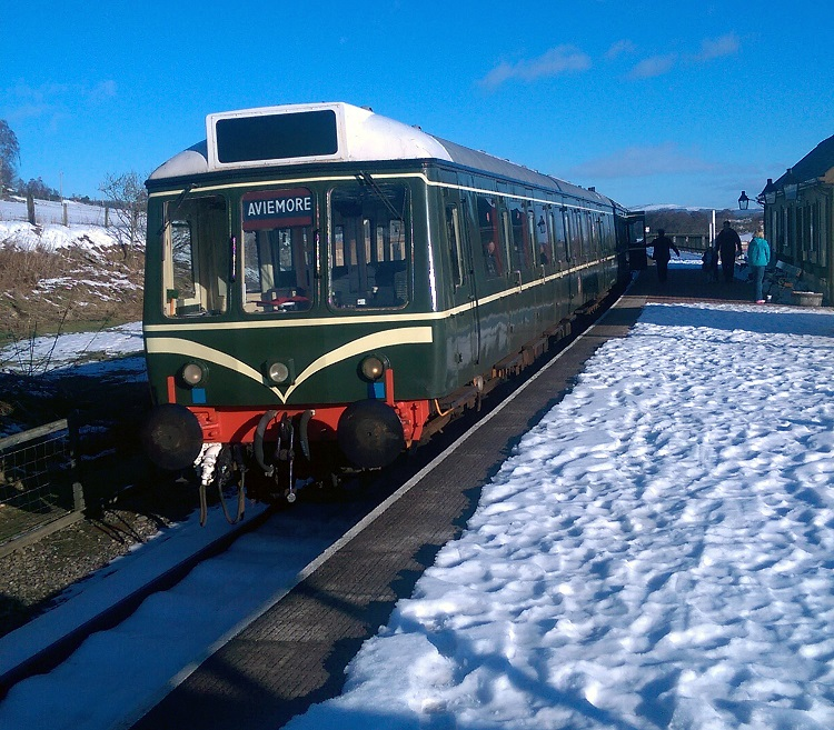 7 Strathspey railway in the snow heritage DMU at Broomhill Bob Faulkner