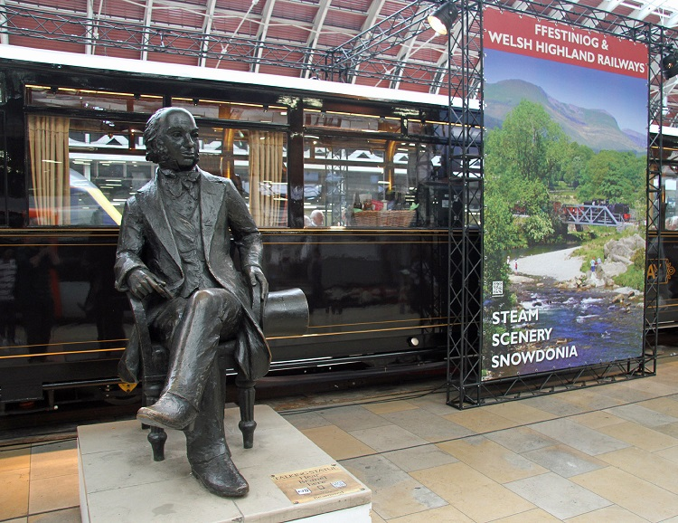 Brunel statue by Cliff Thomas