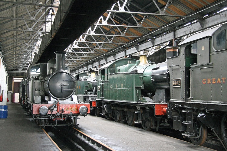 Didcot locos in shed Cliff Thomas