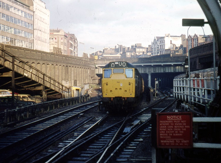 2 Class 31 at Farringdon in 1976 Phil Marsh