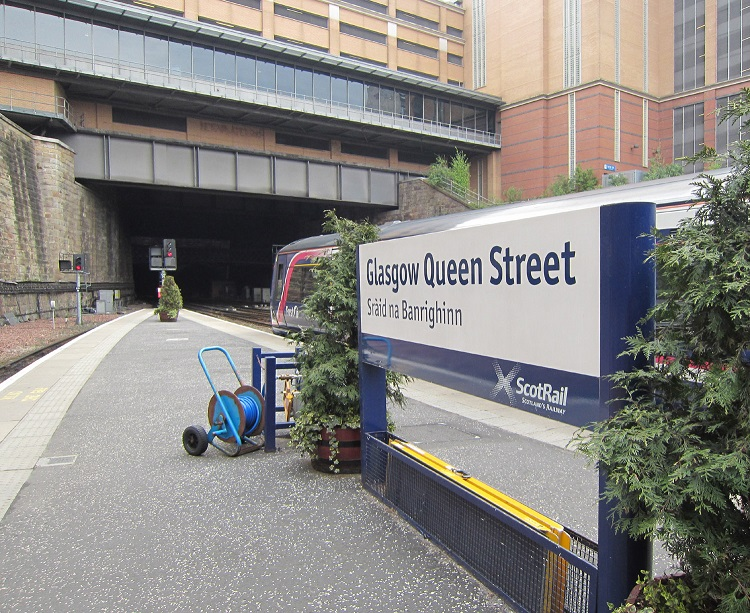 4 Tunnel at the entrance to Glasgow Queen Street by Phil Marsh