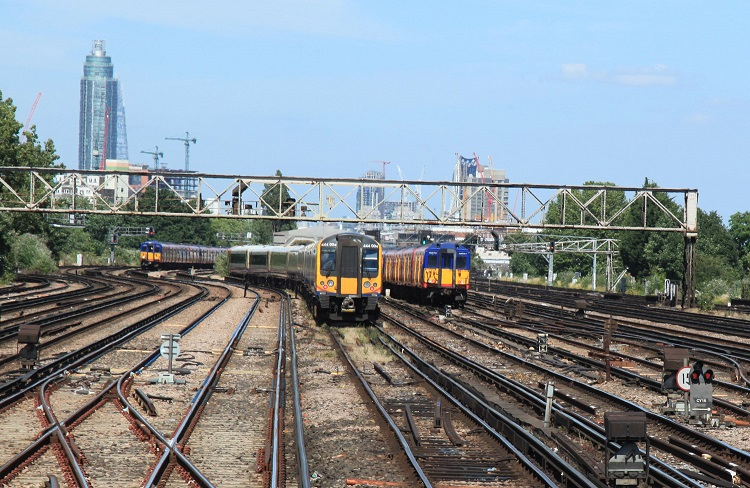 3 clapham jcn trains by Phil Marsh