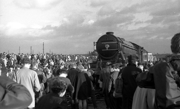 5 Flying Scotsman at Tyseley in 1970 by Geoff Marsh