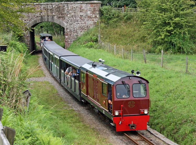 R&ER train at Muncaster Mill_Cliff Thomas
