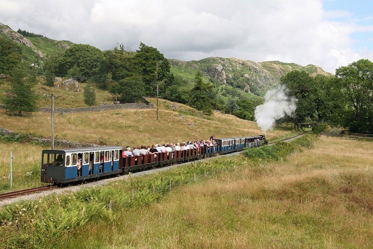 R&ER train heads for Dalegarth_Cliff Thomas
